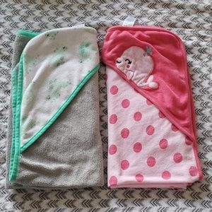 2 baby towels